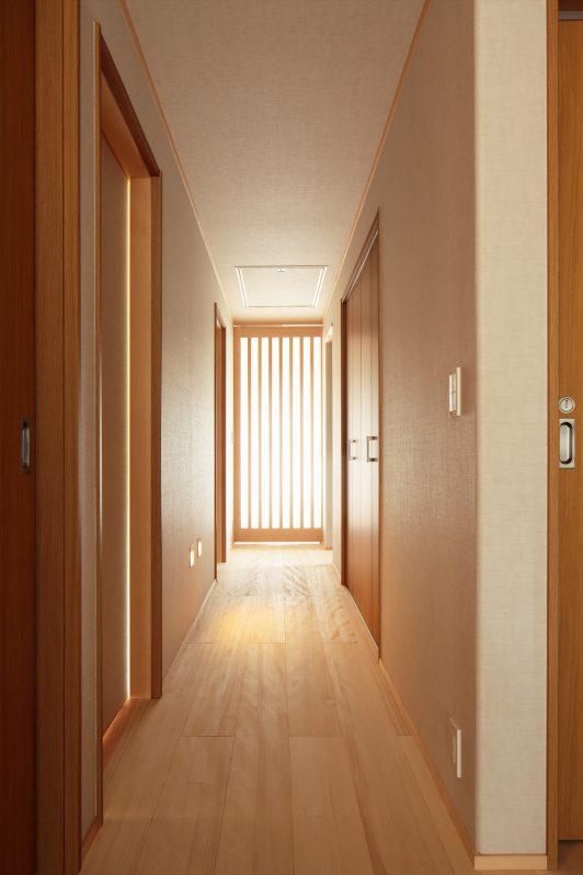 イメージ:玄関を開けると心地よいモミの木の香りが
