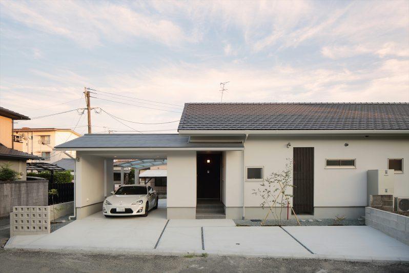 イメージ:屋根は陶器瓦、外壁はモルタルに汚れにくい塗装を採用