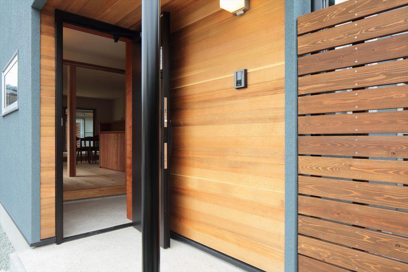イメージ:玄関土間までフラットに続くエントランス