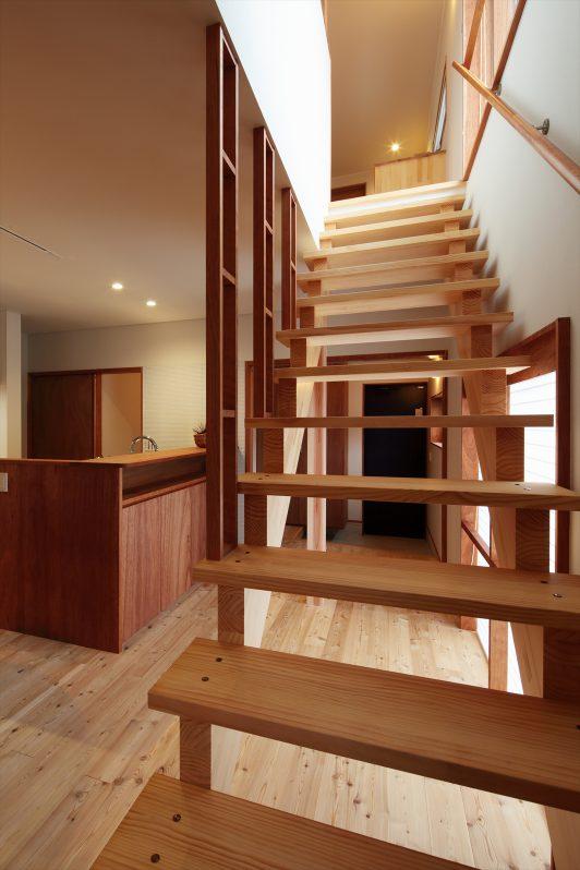 イメージ:抜け感のあるスリット階段でより開放的な空間に